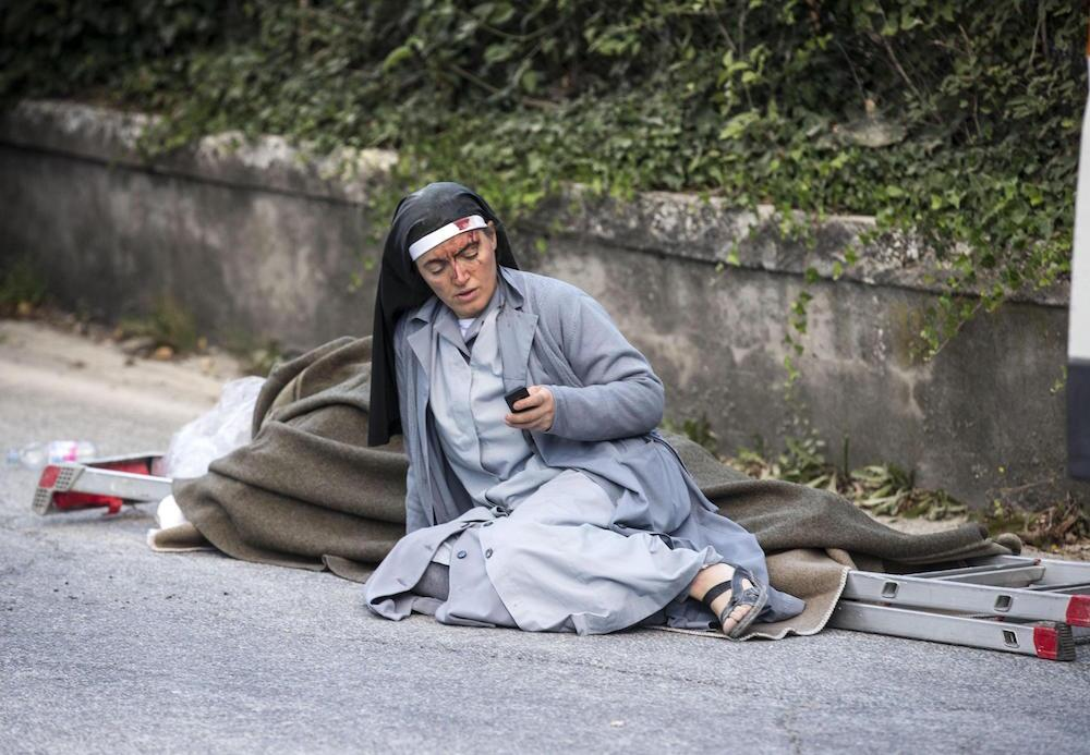 Potente terremoto estremece el centro de Italia y Roma monja-italia.jpg