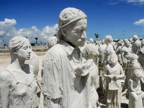 Un total de 330 esculturas serán sumergidas en el Caribe mexicano...