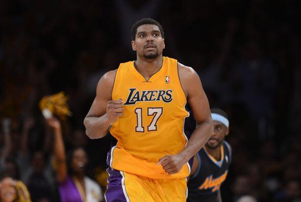 Andrew Bynum de los Lakers cierra el segundo equipo. Todo parece indicar...