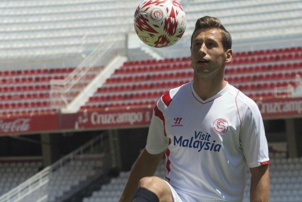 Gregory Krychowiak llegó al Sevilla para aportar su energía en media can...
