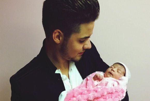 """Ya nació mi sobrina!!!! Isabela, Welcome to the Family"", compartió Will..."