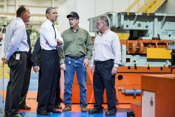 El presidente Obama realizó un recorrido por el Forf Kansas City, en Lib...