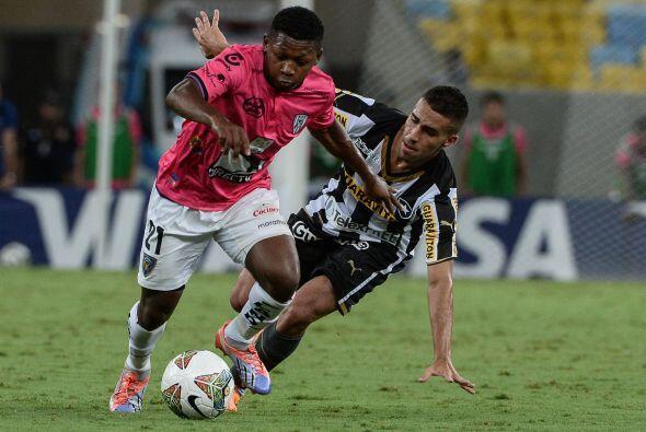La UdeG ingresó a su plantilla al ecuatoriano Jonathan González, quien f...