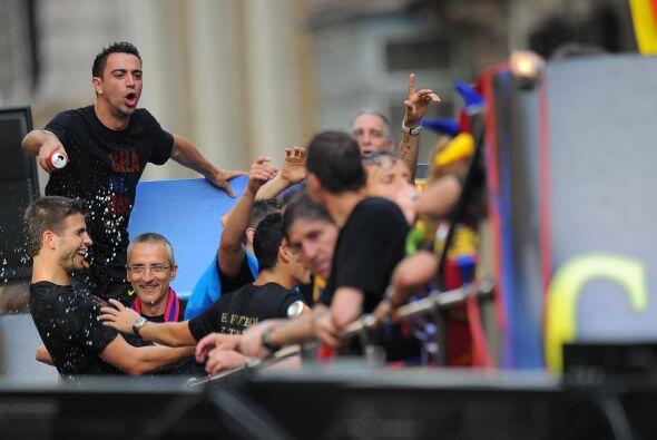 Xavi, cual capitán del club, era uno de los orquestadores durante la fie...