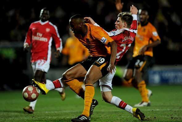 Arsenal tuvo dificultades para vencer al Hull City.