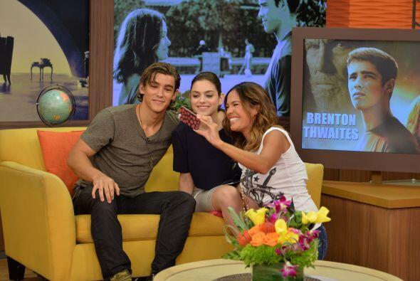 Karla también se tomó la foto con nuestras estrellas invit...