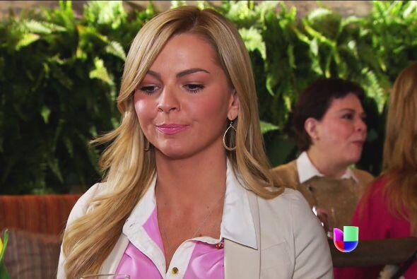 Sofía no sospecha, pero la verdad es que don Jerónimo Peralta está más q...