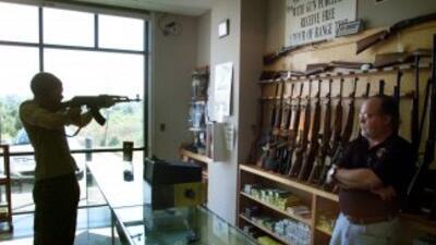 El número de potenciales compradores de arma rompió récord por segundo a...
