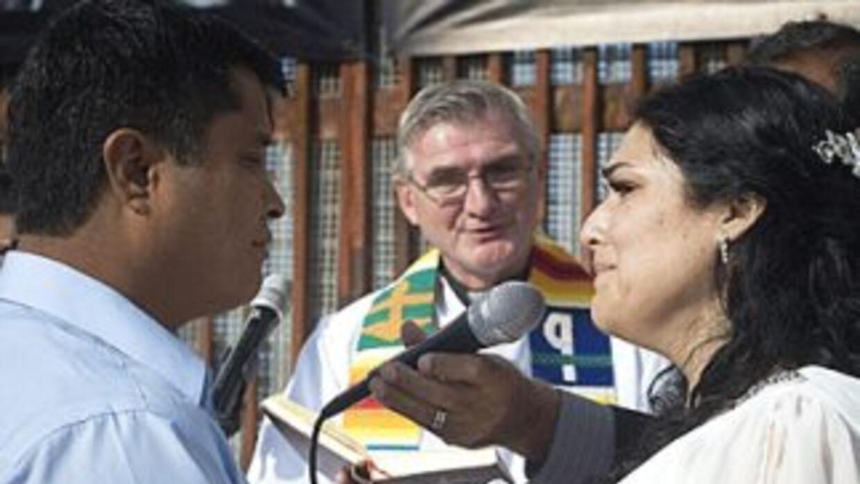 Los inmigrantes Cecilia García y Hugo Enrique Velazco, golpeados por la...