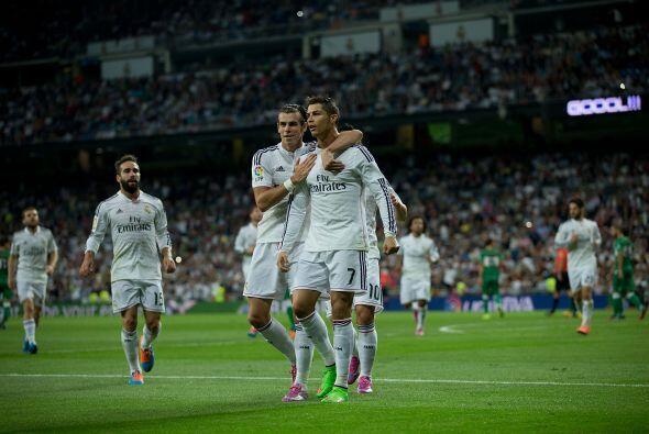 Al final el portugués se llevó la ovación del Bernabéu al anotar cuatro...