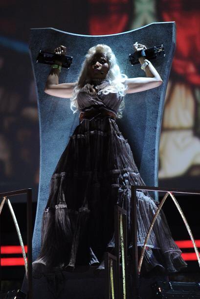 Hablando de cosas que dan miedo está Nicki Minaj y sus vestimentas que d...
