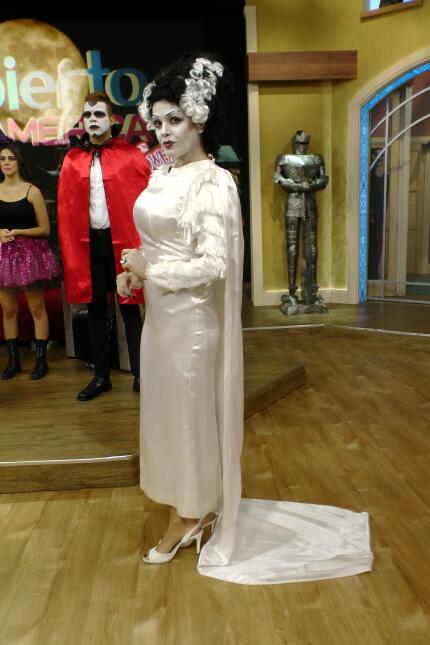 Karla Martínez estaba un poco pálida en su papel de La novia de Frankens...