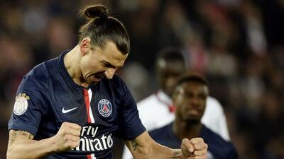 El crack sueco marcó un doblete para darle el triunfo al París.