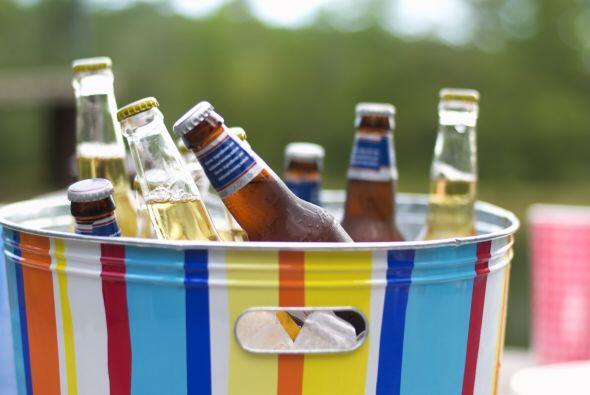 Las bebidas. En estas fiestas, la cerveza suele ser la elegida por los a...