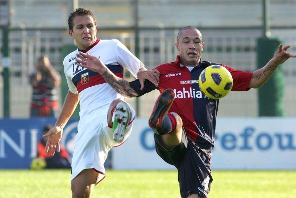 Cagliari y Genoa buscaban los tres puntos para ascender posiciones.