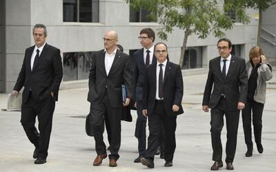 El cesado presidente de la región, Carles Puigdemont, se march&oa...