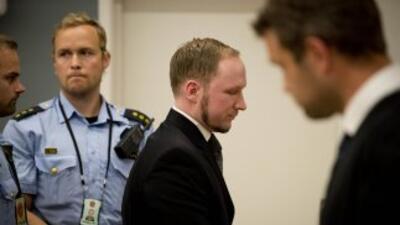 El tribunal de Oslo condenó el viernes al ultraderechista Anders Behring...