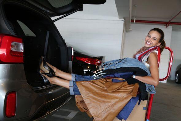 Argy ha sacado prendas, zapatos y accesorios de su closet personal!