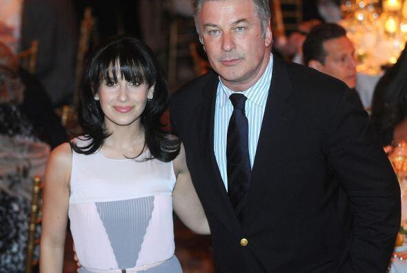 Alec Baldwin está casado con la española Hilaria Thomas, 26 años menor q...