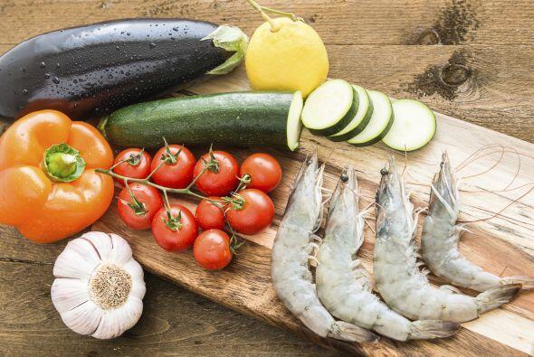 ¡Descubramos su cocina a través de un viaje por el Mediterráneo! Texto:...