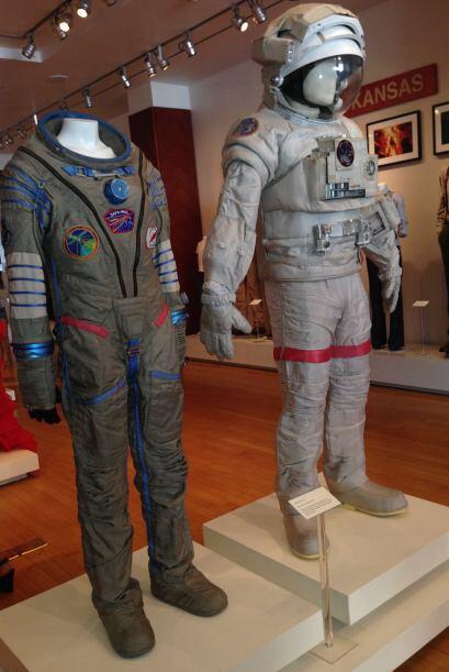 Podrás ver de cerca los trajes que usaron Sandra Bullock y George Cloone...