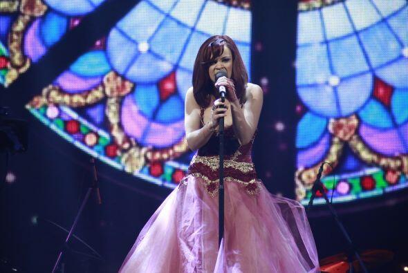 Ana Cristina se estrenó como parte del equipo de Dulce María.