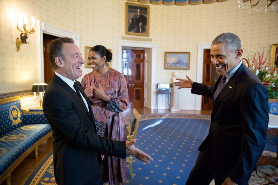 """El EEUU postracial """"nunca fue realista"""", dijo Barack Obama en su último..."""