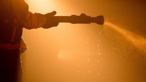 Varios incendios forestales están devastando zonas en el suroeste de la...