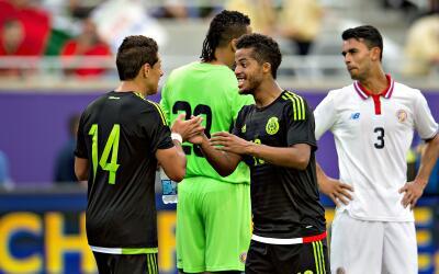 Dos Santos y Chicharito firmaron la remontada mexicana ante Costa Rica