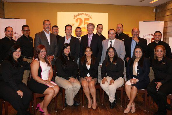 Denny's celebra 25 años en Puerto Rico con la apertura de nuevo restaura...