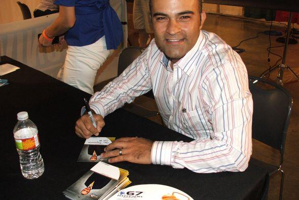 Luis Gomez, quien te trae las noticias en Primera Edición y Vive la Maña...