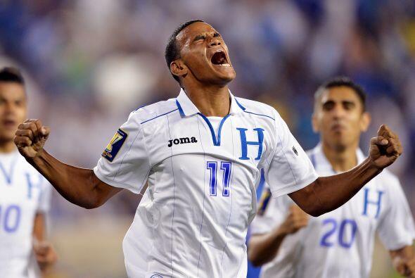 El primer gol entró al minuto 3 por intermedio de Rony Martínez.