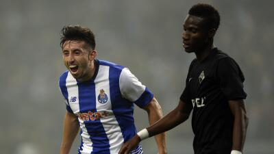 Héctor Herrera anotó un golazo a pase de Jesús 'Tecatito' Corona