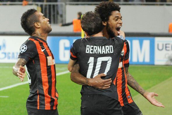 Luiz Adriano buscará ampliar su racha goleadora, el delantero del Shakht...