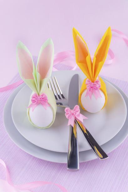 ¡También en la comida! Crea conejos con un huevo y papel china para las...