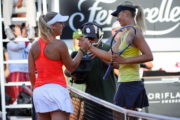 Sharapova y Wozniacki derrocharon buen tenis y mucha belleza en Roma.