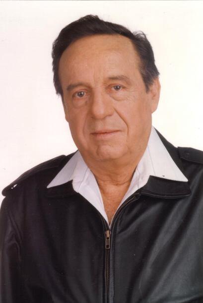 Roberto Gómez Bolaños, mejor conocido como Chespirito, fue famoso por su...