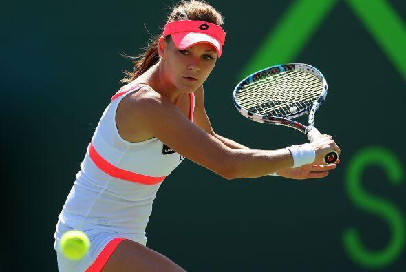 En algunos resultados de segunda ronda en la WTA, la campeona defensora,...