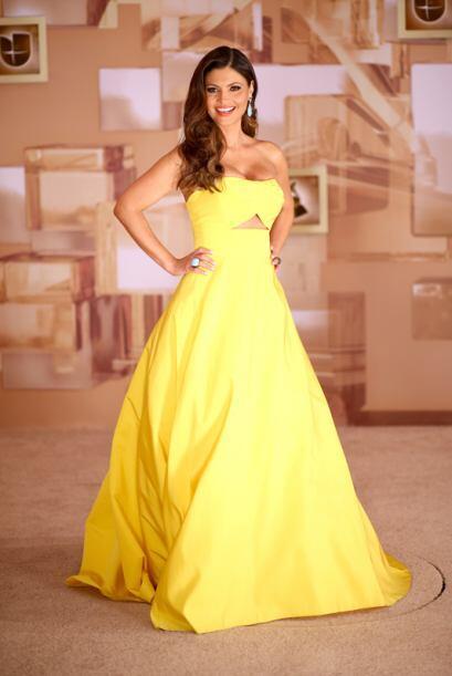Chiquinquira Delgado resaltó su belleza en un vestido amarillo de...