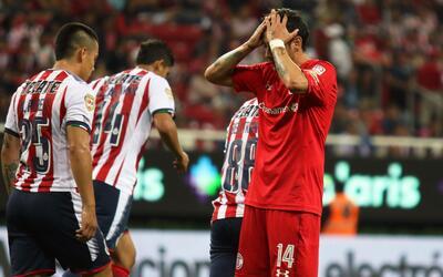 Chivas y Diablos Rojos dividieron puntos en el inicio del Apertura 2017.