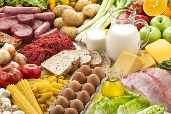 Acompaña el ejercicio con tu dieta. Fíjate que no te falten comidas rica...