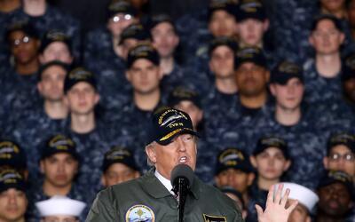 Trump habla ante miembros de la Marina de EEUU en marzo