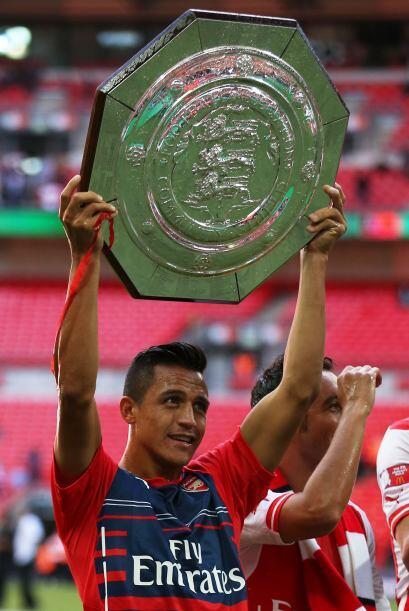 Y Alexis logró su primer título con Arsenal.