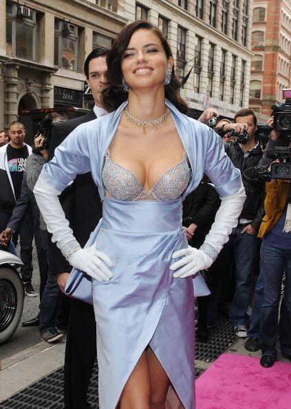 Personalidades atrevidas y sexys como Miley Cyrus y Adriana Lima fueron...