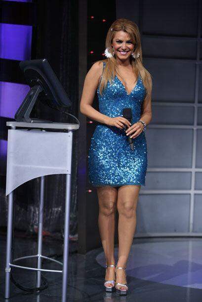 Y es que la modelo quiere deleitar a sus admiradores con pequeños vestidos.
