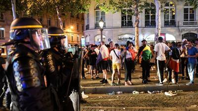 En fotos: La celebración del título de Francia se convirtió en disturbios