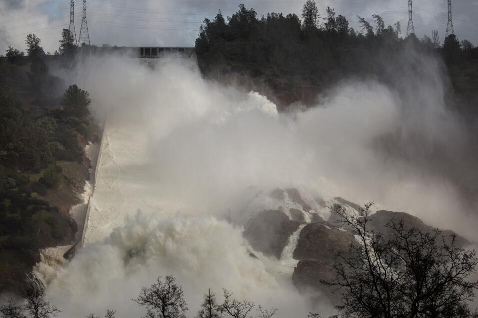 Esta represa de 60 años representa un riesgo potencial de inundaciones m...