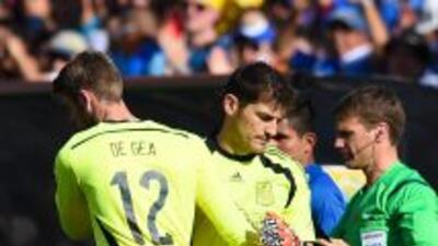 Iker Casillas ve natural que se piense en De Gea para el arco de la Roja.