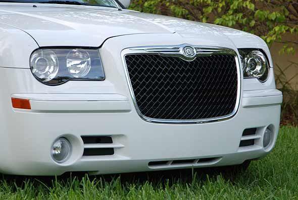 La parrilla cambia la percepción de este sedán hacia un auto de lujo.