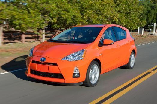 Toyota Prius C 2015- Este llegó para compartir la cartelera de autos efi...